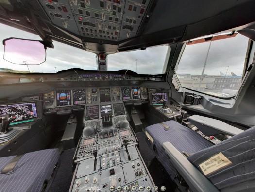 Visite virtuelle le cockpit d'un Airbus A380