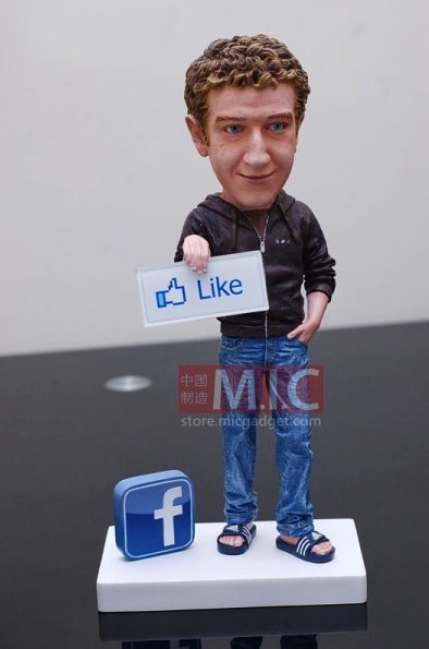statuette-Mark-Zuckerberg