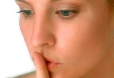 Moins de mots plus de gestes! silence
